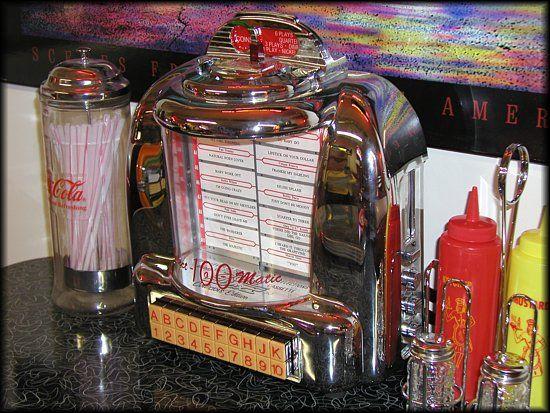 Vintage tabletop jukebox